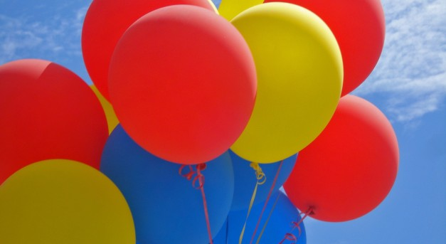 party-balloons-1474340_1920